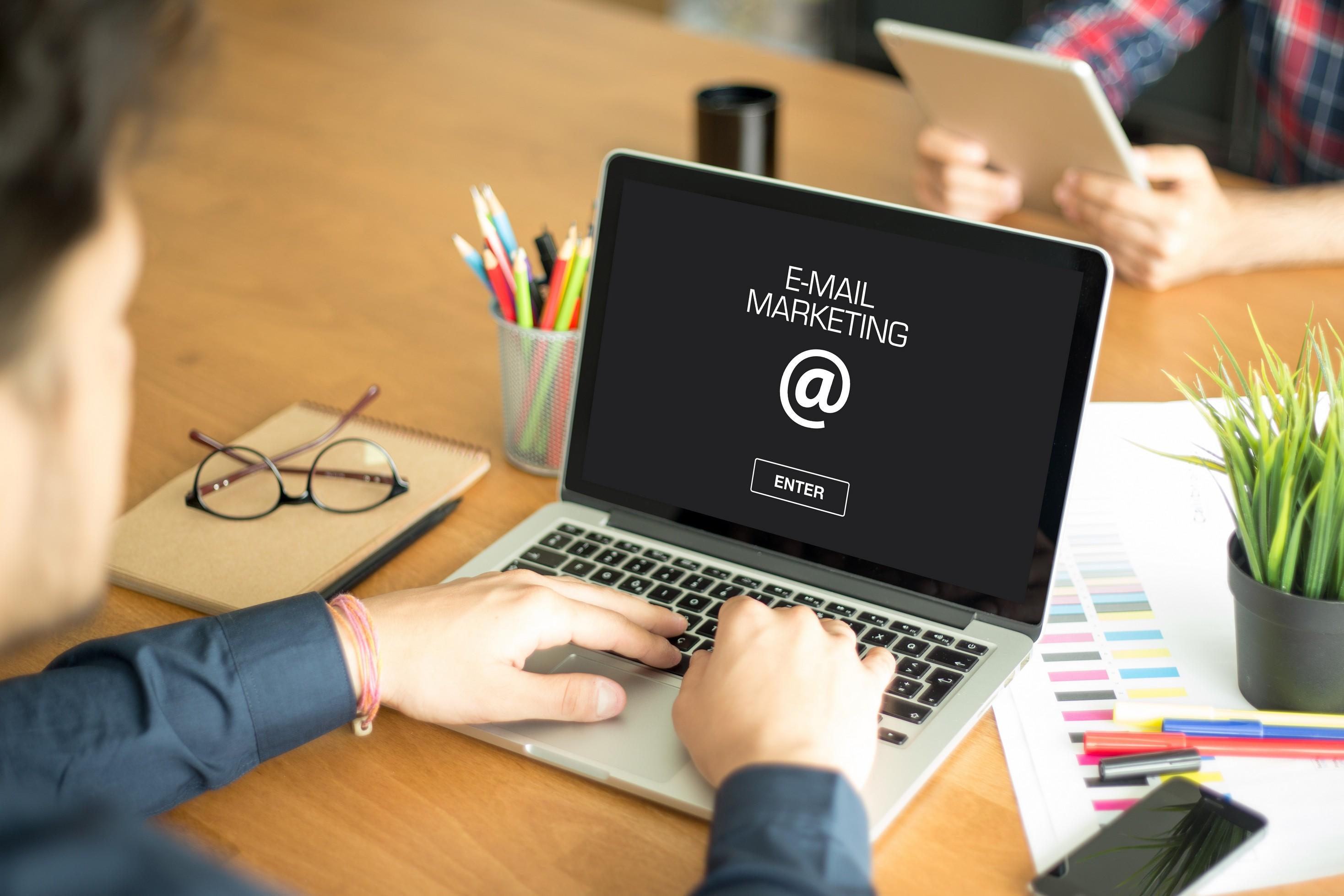 cach thiet ke email marketing
